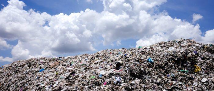 Inquinamento da plastica ed emissioni CO2: quale relazione?