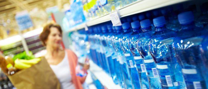 Tutti i costi della plastica: una spesa inutile per aziende e consumatori